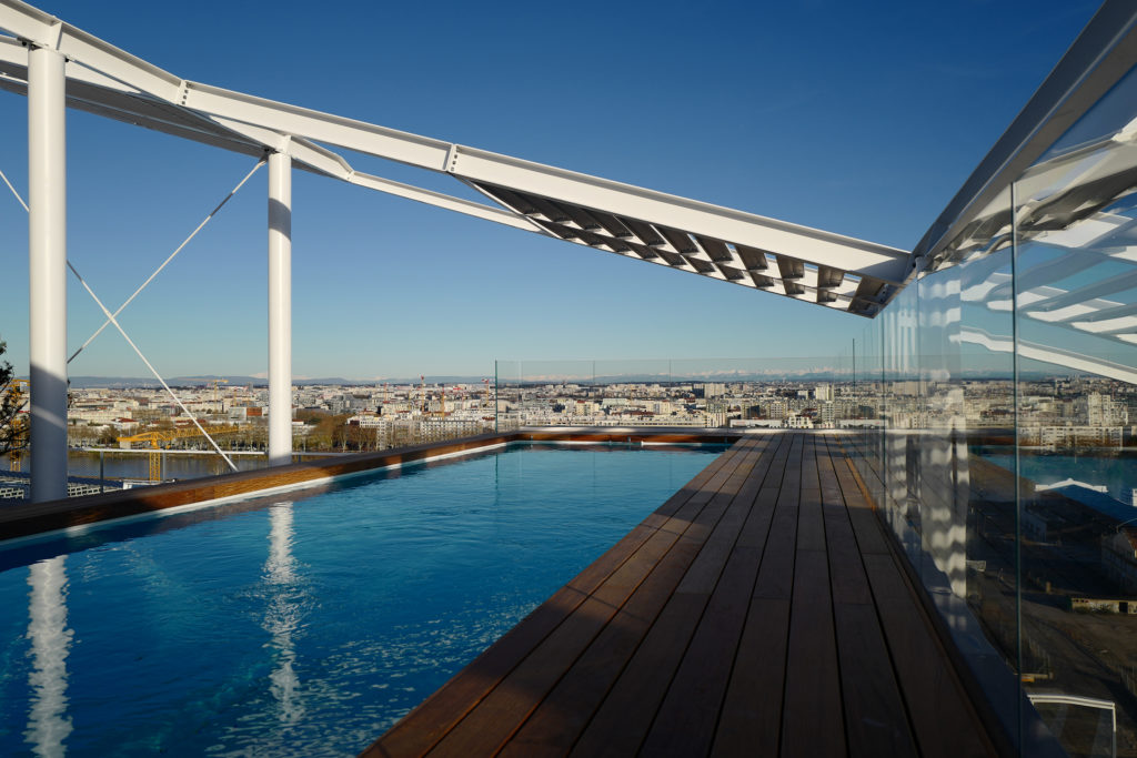 Groupe Cardinal Ycone by Jean Nouvel - Terrasse piscine- Photo Manuel Fernandez